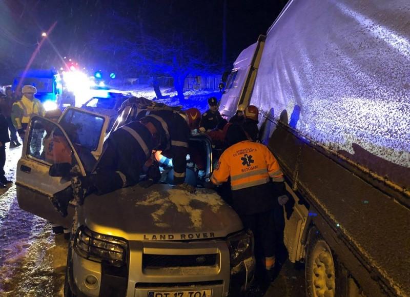Accident grav la Stăuceni. O persoană a ajuns la spital! FOTO