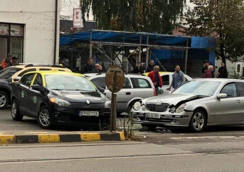 Accident grav pe Calea Națională din Botoșani: o familie a ajuns la Urgențe