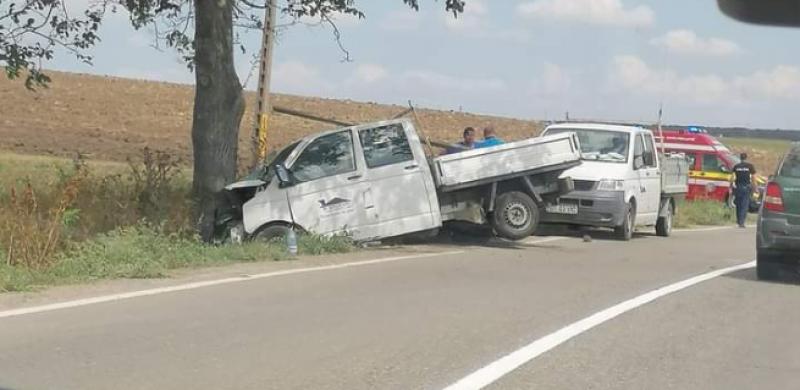 Accident grav pe E58. Elicopter SMURD solicitat pentru un bărbat din Botoșani