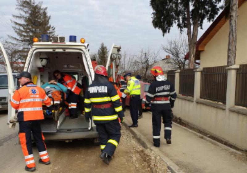 Accident în municipiul Dorohoi: un bărbat a ajuns la spital
