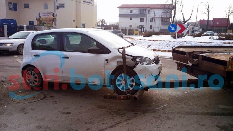 ACCIDENT intr-o intersectie cu probleme din municipiul Botosani! FOTO