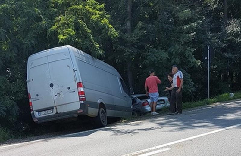 Accident la Baisa! Un conducător auto a ajuns în spital, rănit grav FOTO