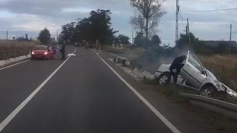 Accident la Brehuieşti! O maşină a ajuns în şanţ! FOTO