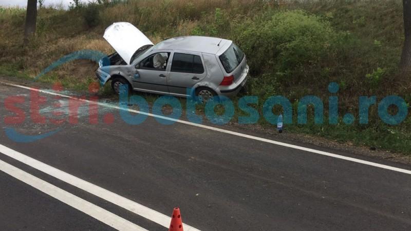 Accident la intrarea în Ungureni! Femei ajunse la spital şi maşina într-un mal de pământ! FOTO