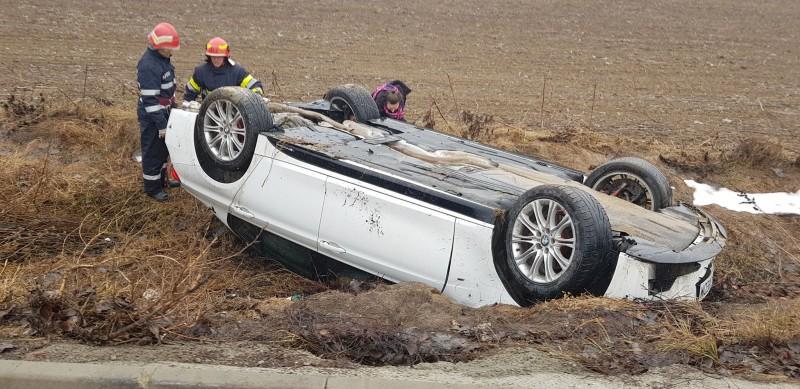 Accident: Mașină răsturnată la Lebăda! - FOTO