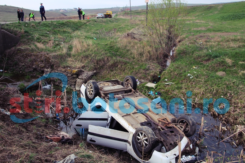 ACCIDENT MORTAL în apropiere de Lebăda! Un bărbat şi-a pierdut viaţa, alte trei persoane la spital! FOTO