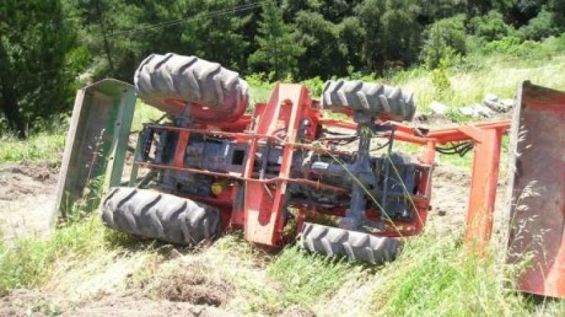 Accident mortal la Havârna. Un tânăr a murit strivit sub un tractor
