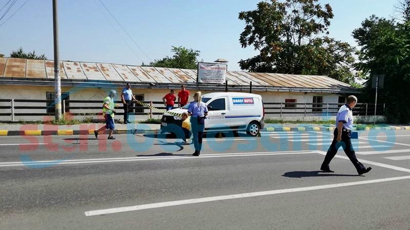 Accident pe trecerea de pietoni! Femeie lovită de un șofer neatent! FOTO