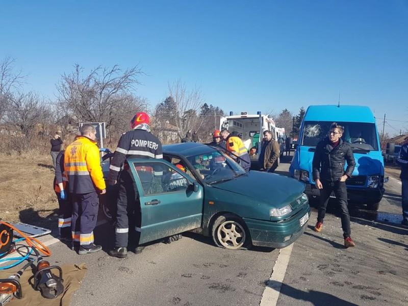 Accident rutier la Brăești: Două persoane rănite! FOTO