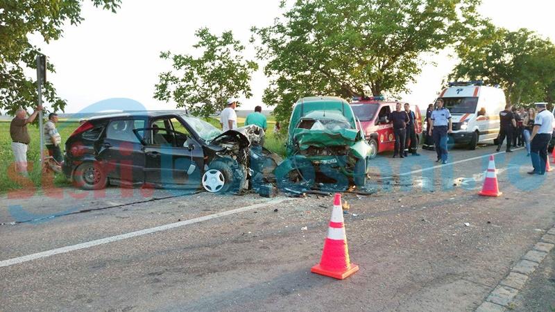 Accident teribil! Două persoane au murit și alte două au fost rănite, după ce un şofer a pătruns pe contrasens! FOTO, VIDEO