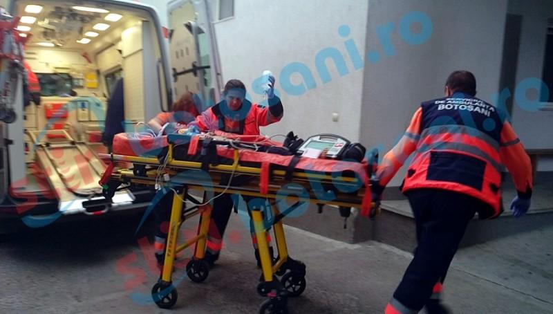 ACCIDENT TERIBIL într-o locuință din Trușești! Un copilaș de 6 ani, în stare critică după ce a căzut în cuțitul ținut în mână de mama sa!