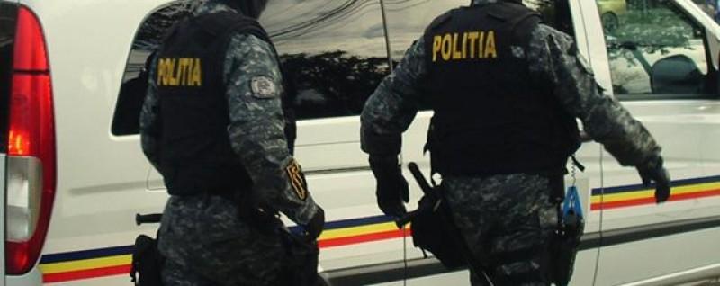 Acţiune de amploare a poliţiştilor botoşăneni: Patru persoane reținute în urma perchezițiilor!