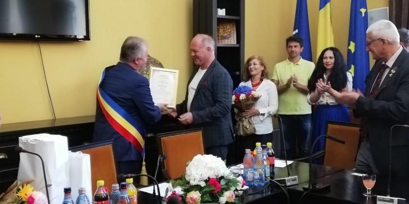 Actorul Vlad Ivanov a primit astăzi titlul de Cetăţean de Onoare al municipiului Botoşani! Video