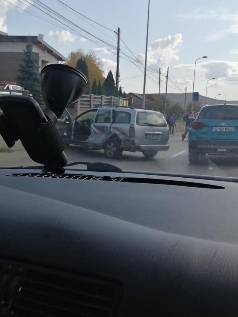 ACUM: Accidente în lanț, după o manevră prea târzie, în zona Lebăda