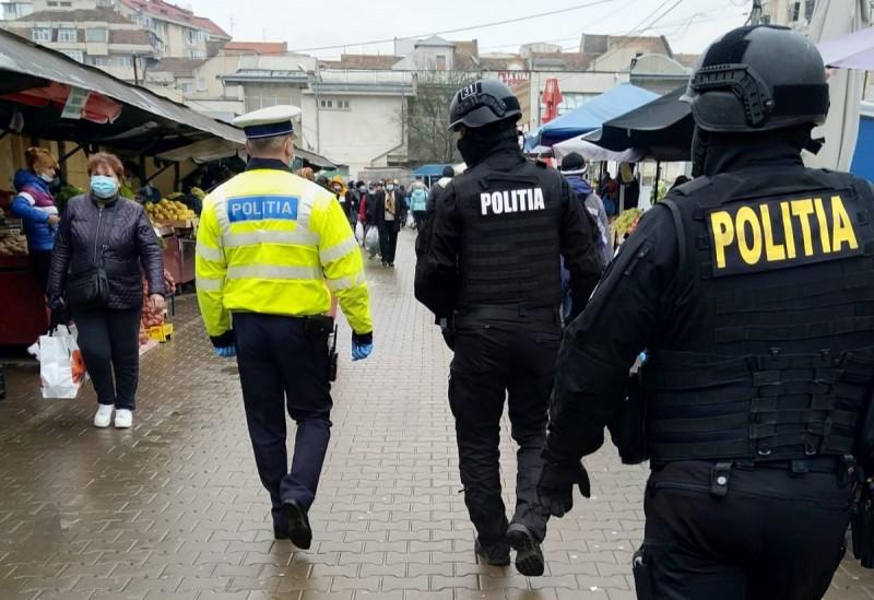 ACUM: Controale cu mascați în Piața Centrală