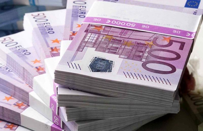 Adio cumpărături cu cash mai mari de 10 mii de euro! Uniunea Europeană vrea să plafoneze cumpărăturile cash pentru combaterea spălării banilor