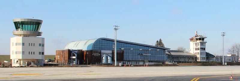 """Aeroportul """"Ştefan cel Mare"""" din Suceava anunță licitația publică cu strigare pentru inchirierea spațiilor."""