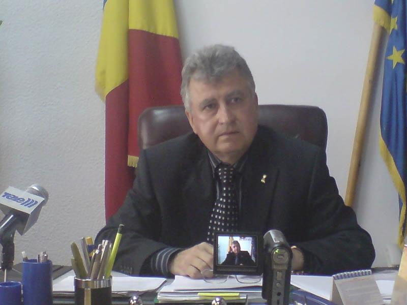 """Afacerile """"in familie"""" ale fostului director al DGASPC Botosani au iesit la iveala!"""