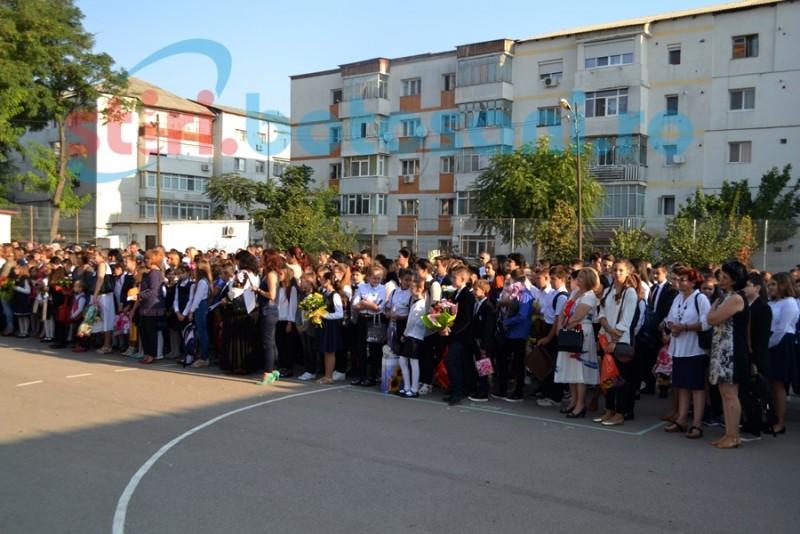 Aglomeraţie la o şcoală din municipiu: s-a solicitat suplimentarea locurilor în clasa 0