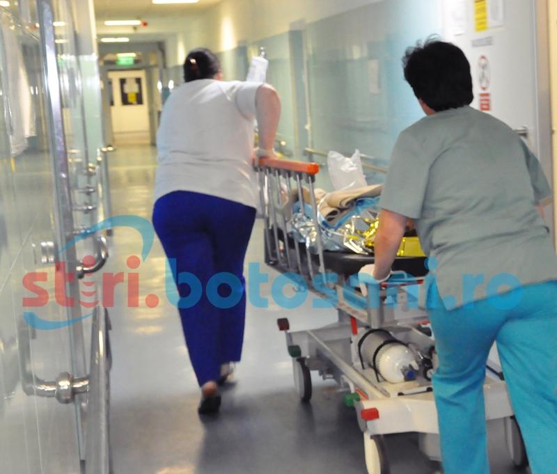 Ajunsă în stare gravă la spital după ce a luat foc!