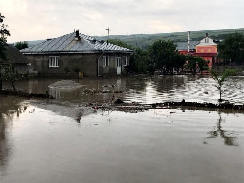 Ajutoare de urgenţă pentru familiile afectate de calamităţile naturale