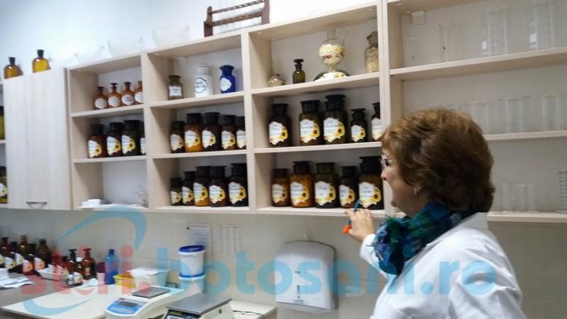 Alchimiştii lumii moderne: despre farmaciștii care nu ne lasă sa ne îndopăm cu pastile!- FOTO