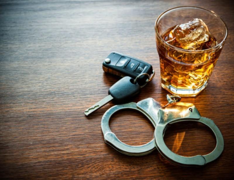 Alcoolul este unul din principalii factori de risc când vorbim despre conducerea vehiculelor pe drumurile publice