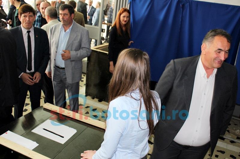 ALEGERI în PNL: Candidaţii la funcţiile de conducere din PNL Botoşani îşi prezintă discursurile FOTO