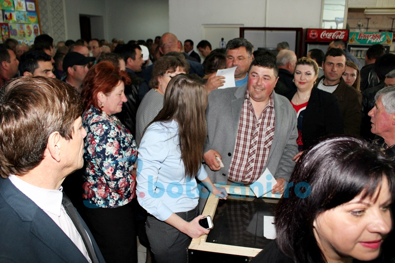 ALEGERI în PNL: Delegaţii votează pentru preşedintele organizaţiei!