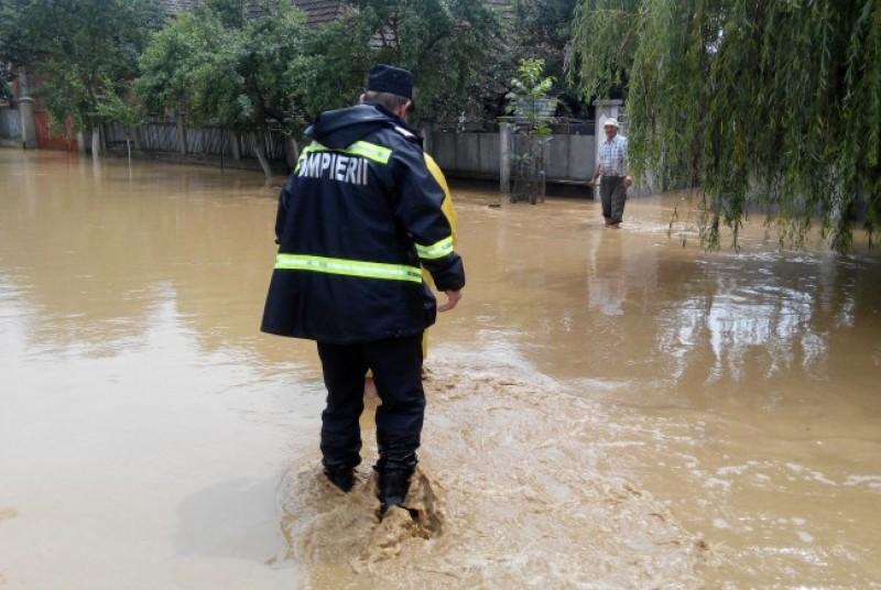 Alertă de inundații până miercuri după-amiază!