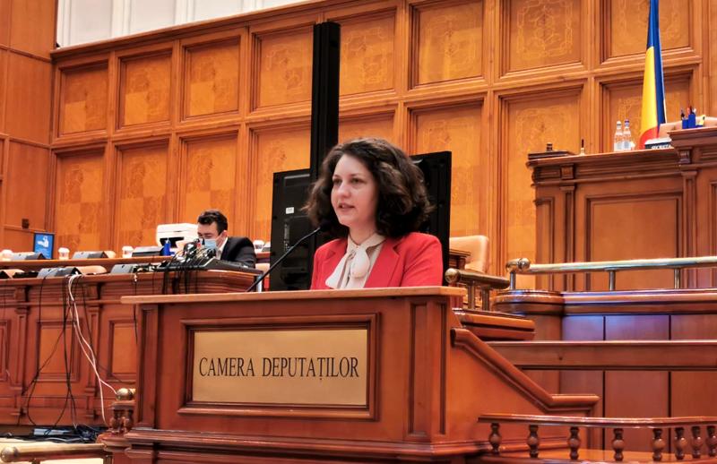 """Alexandra Huțu, deputat PSD: """"Politizare pe bandă rulantă la instituții strategice, fără niciun respect pentru viața și sănătatea oamenilor!"""""""