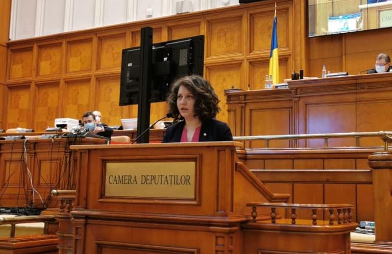 Alexandra Huțu, PSD: Guvernul Dreptei a blocat accesul la educație pentru mii de elevi din Botoșani și a lăsat Consiliul Județean să se descurce cu zero lei pentru asigurarea transportului!