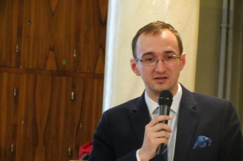 """Alexandru Negrescu: """"Există o goană după note şi, implicit, după rezolvat şi memorat probleme standard, de tipul celor care se dau la examene"""""""