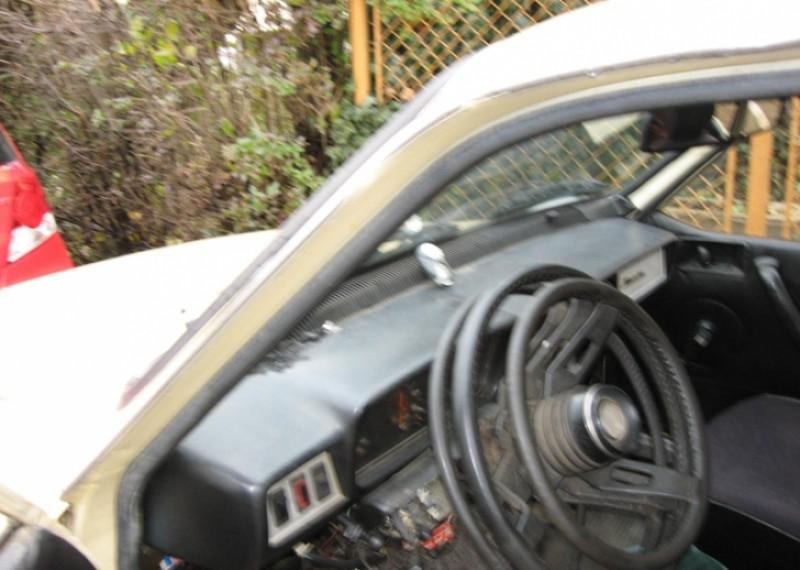Am avut și așa ceva: Dacia 1310 Hycomat, mașina cu trei volane!
