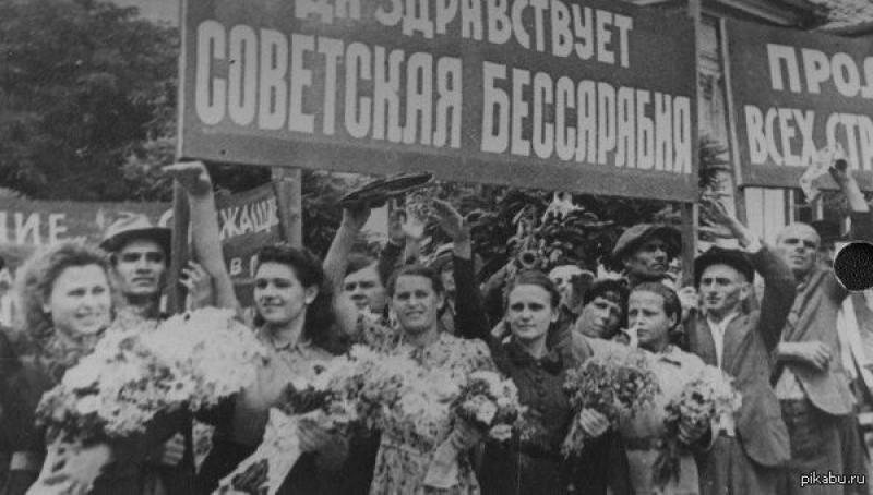 Ambasada Rusiei celebrează ocuparea Basarabiei de trupele URSS cu o variantă proprie a istoriei!