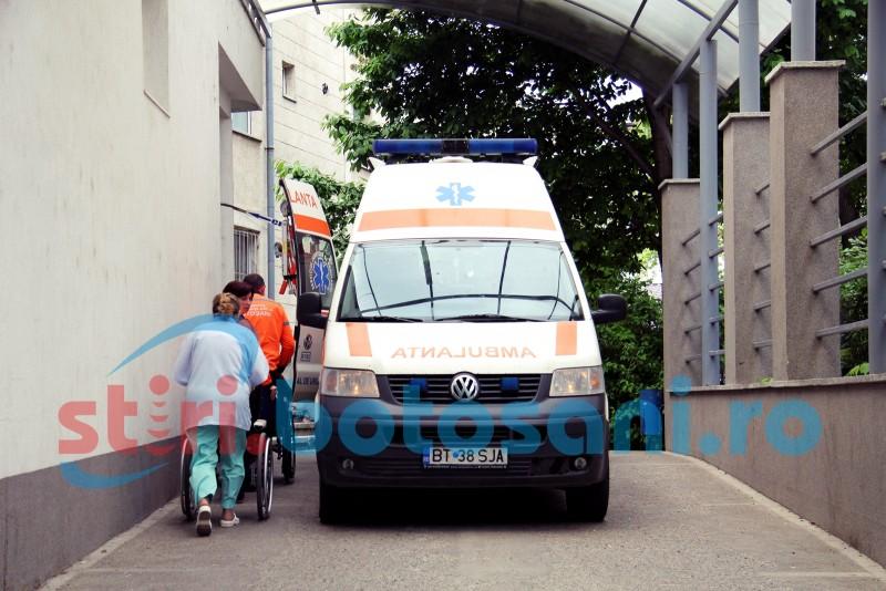 Ambulanță chemată pentru o tânără aflată la o terasă