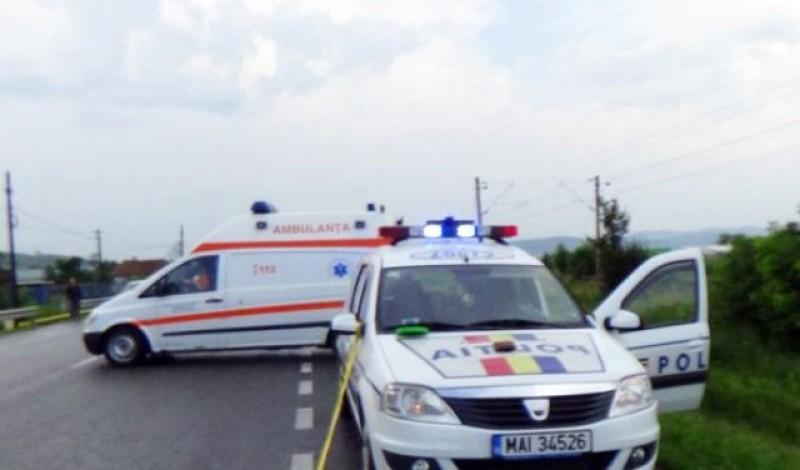 Ambulanță cu pacient în interior, implicată într-un accident la Cătămărăști