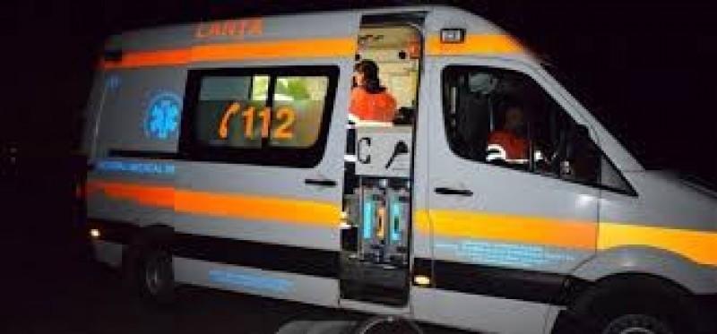 Ambulanță implicată într-un incident în pădurea de la Zăicești