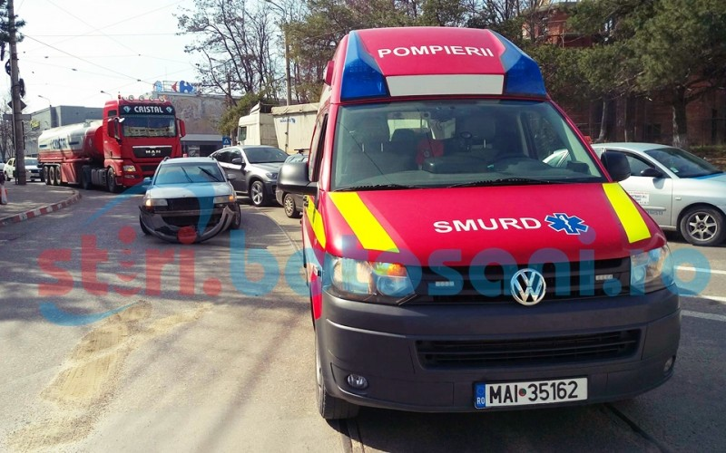 Ambulanta SMURD, implicata intr-un accident! FOTO