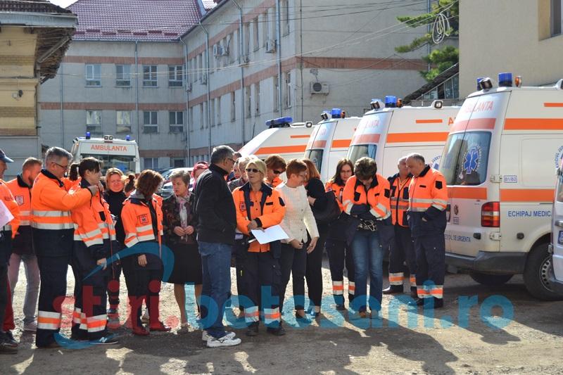 Ambulanţe noi pentru pacienţii din judeţul Botoşani
