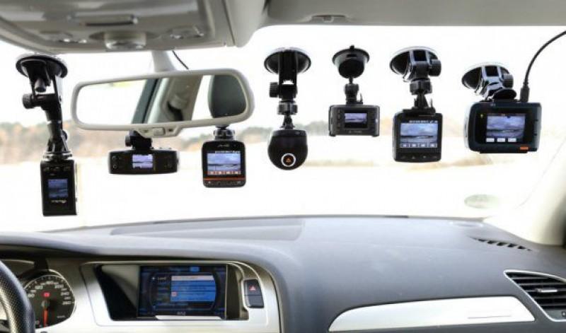 Amendă de 3.000 de lei pentru şoferii care au aşa ceva în maşină