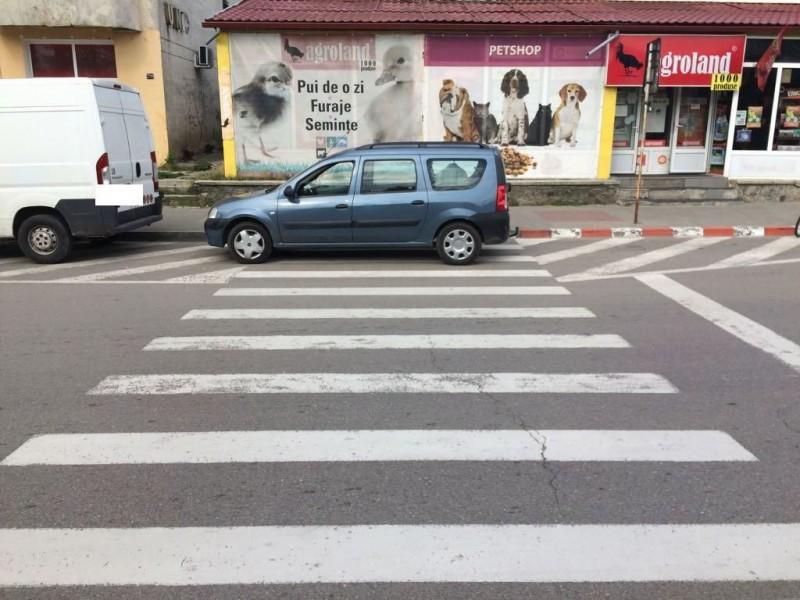 Amenzi pentru șoferii care au parcat pe trecerile de pietoni! FOTO