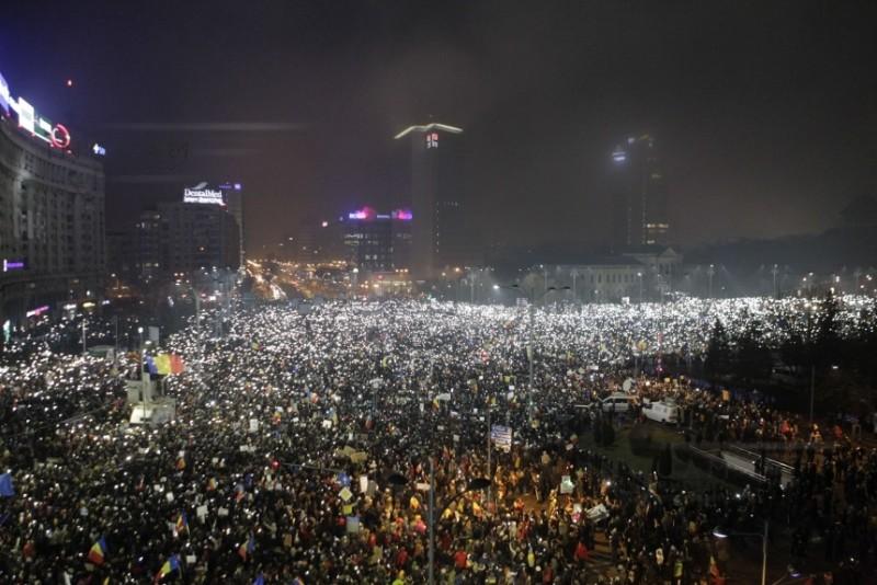 ANALIZĂ EURONEWS: Cum îşi dezvoltă România o cultură proprie a protestului