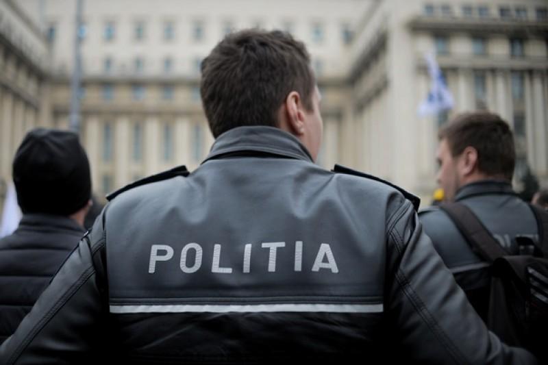 Anchetă internă la Poliţia Hunedoara, după ce un angajat a sunat la 112 să ceară sprijinul colegilor