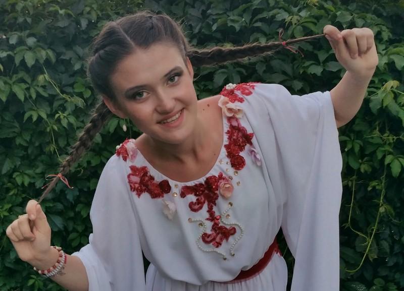 """Andra Mihalache a adus la Botoşani Trofeul Festivalului Naţional de Muzică Uşoară """"Glasul speranţelor""""! FOTO, VIDEO"""