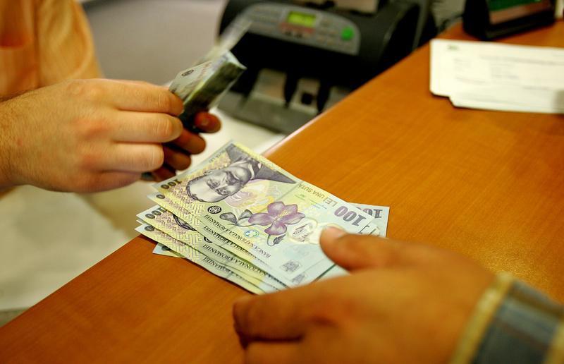 Angajat la stat versus angajat la privat: TOPUL angajatorilor din județul Botoșani!