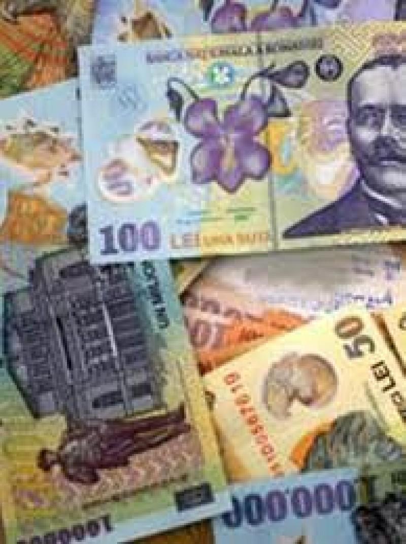 Angajată a unei instituții financiare nebancare din Botoșani, acuzată că a furat din bani!