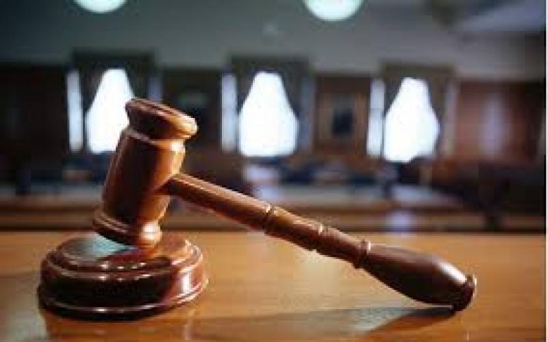 Angajata unei bănci din Botoşani şi un om de afaceri, condamnaţi la închisoare pentru fraudă bancară!
