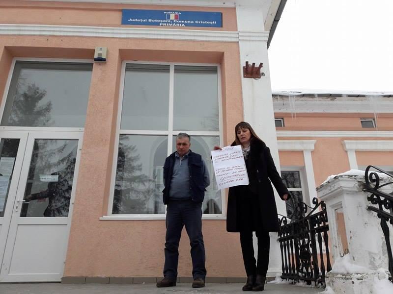 Angajata unei primării din judeţul Botoşani a intrat în grevă