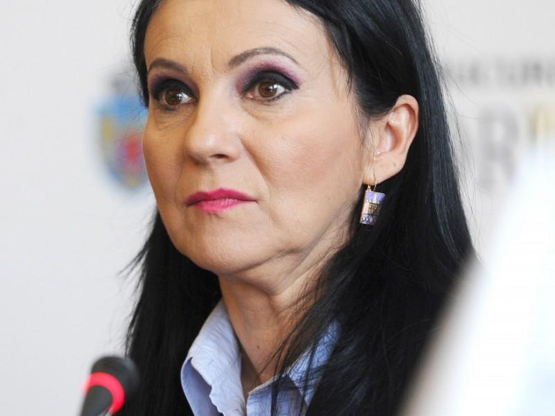 Angajații din Sănătate amenință cu grevă generală, ministrul Sorina Pintea promite creșteri salariale